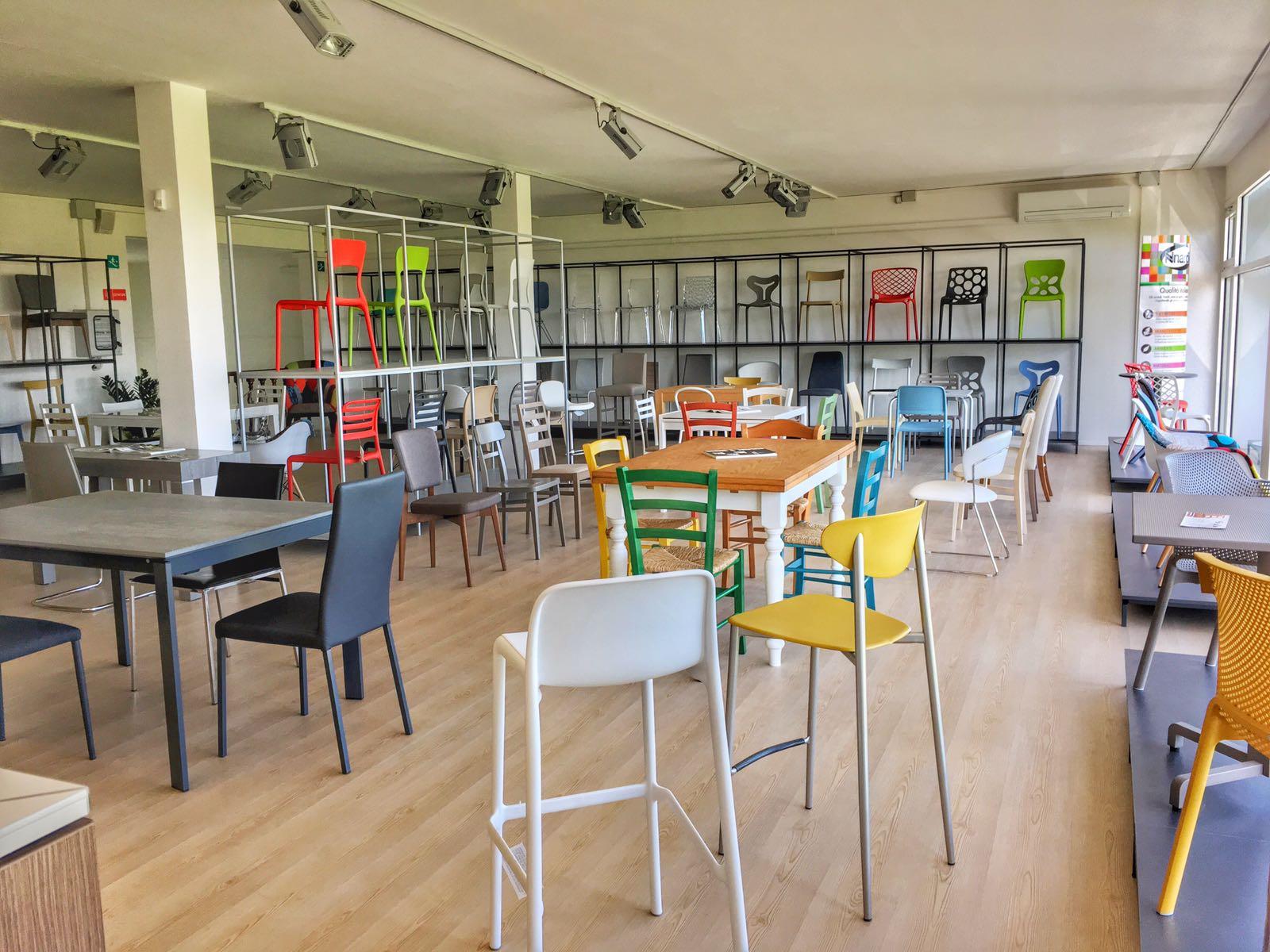Sedie E Tavoli Manzano vieni a trovarci in negozio | insedia: sedie, tavoli e